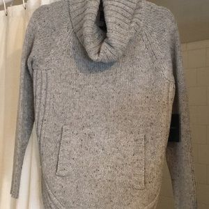 Gray sweater with front pockets